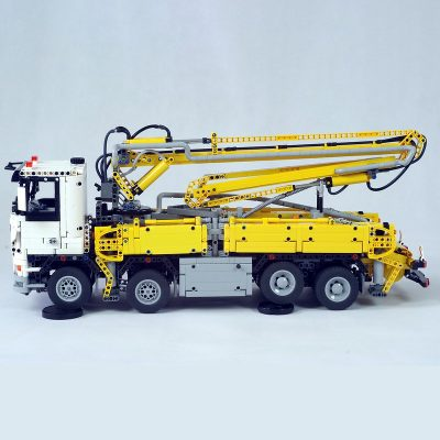 Truck with Concrete Pump Technic MOC-29716 by Ivan_M with 4120 Pieces