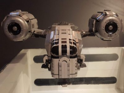UCS Razor Crest by Papaglop STAR WARS MOC-37840 by Papaglop with 4064Pieces