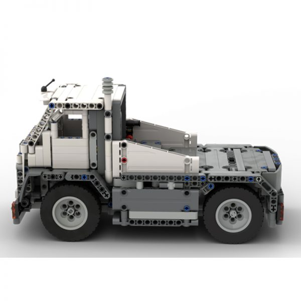 Narrow Truck RC Technic MOC-74453 by _ME_ with 725 pieces