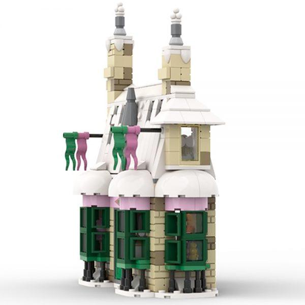 Honeydukes Sweet Shop – SP001 MODULAR BUILDING MOC-46627 WITH 594 PIECES