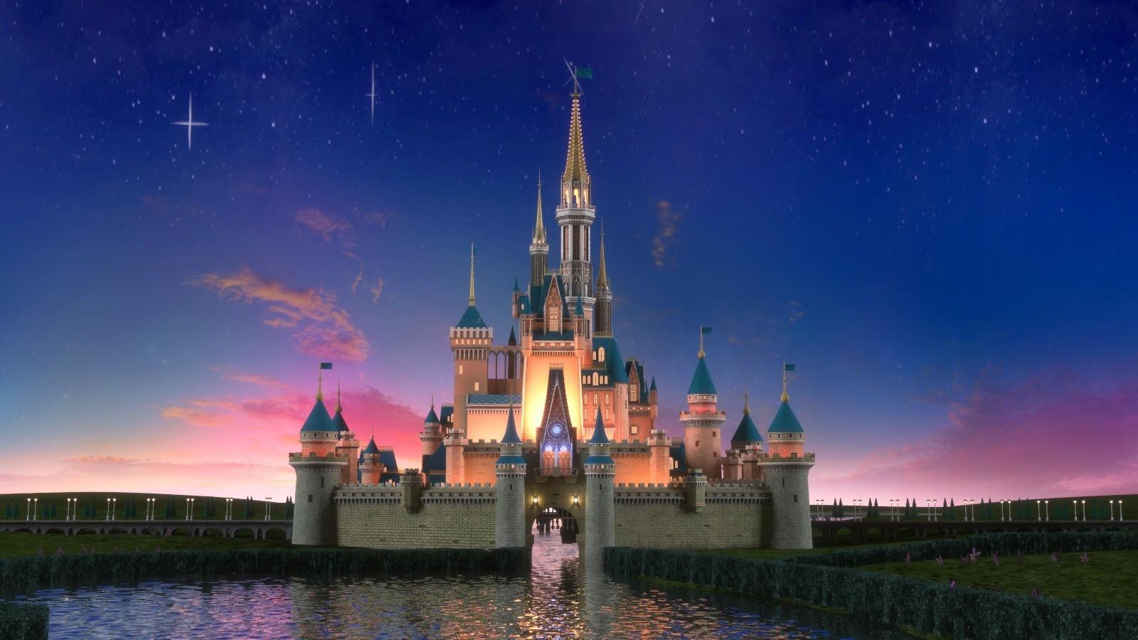 Cinderella Castle MOC-28543 Movie Designed By Brickproject With 581 Pieces