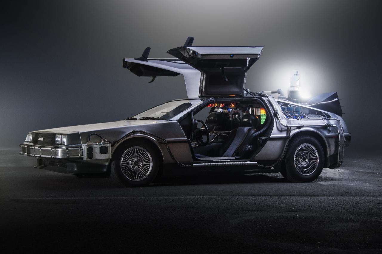 Back to the Future 1985 DeLorean Time Machine