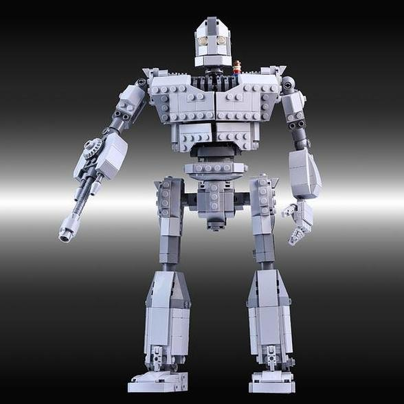 CREATOR MOC 14898 The Iron Giant - I Am Not a Gun by Buildbetterbricks MOCBRICKLAND